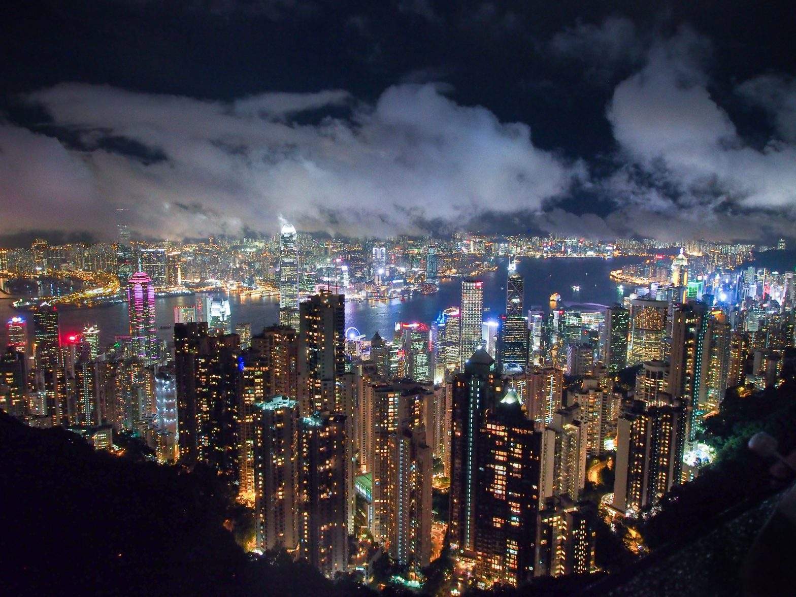 hong kong at night by yun xu tjymdpl unsplash